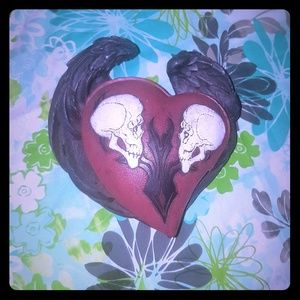 2 skulls and heart with Black wings jewerly box